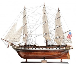 Authentic Models USS Constellation B97 cm - Hvid/Honningbrun